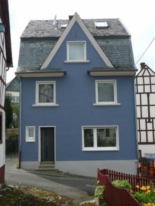 Full renovated German house near vineyards