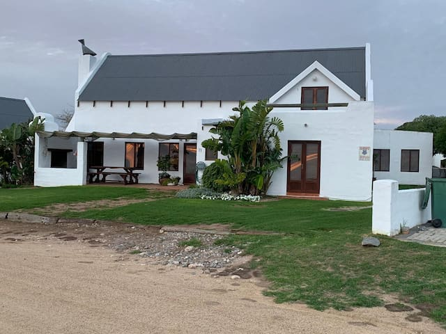 4 Bedroom, seafront house with endless views