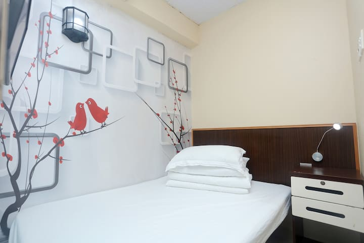 A7.Nathan Road,Jordan,Kowloon/1 min MTR/Double bed