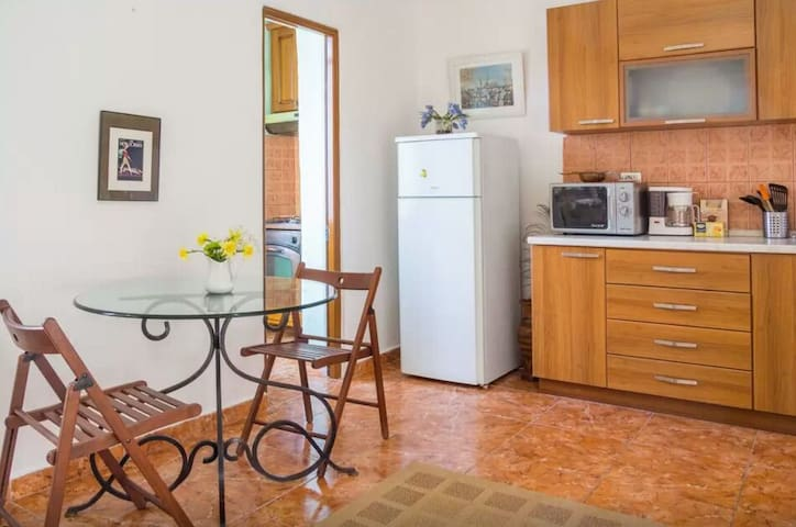 Clean and colorful style apartment - Cluj-Napoca - Hus