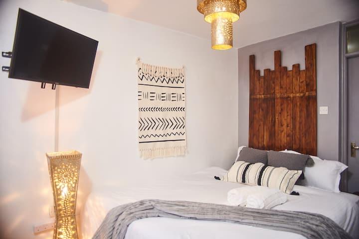 Kitanda Na Kadhalika (K&K) serene furnished studio