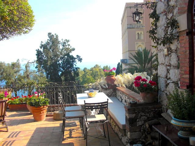 CASA OASI with  view & terrace - Taormina