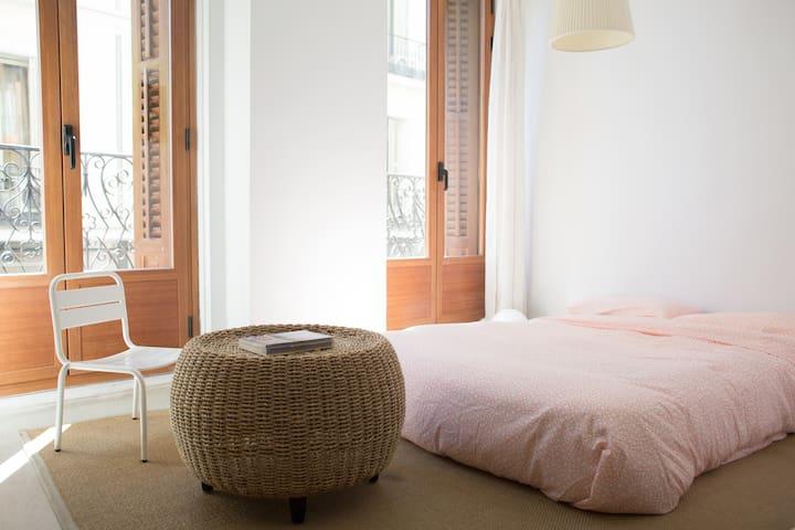 Balcony Apartment at Malasaña. - Madrid - Appartement