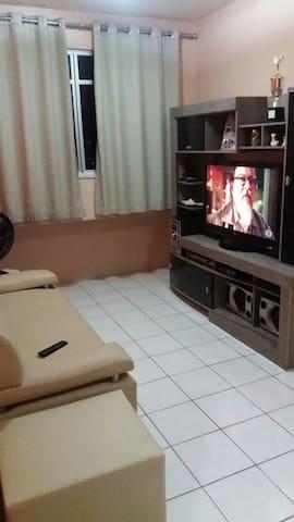 APTO FAMÍLIA COM VAGA NA GARAGEM - FORTALEZA- CE - Lägenhet
