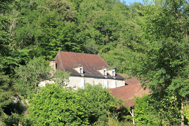 La maison d'Albertine - Peyrillac-et-Millac - Rumah
