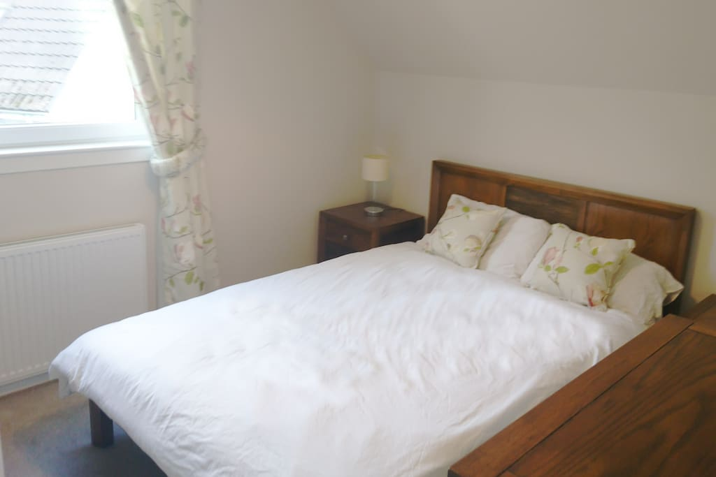 Double bed with separate shower room (exclusive use) on first floor