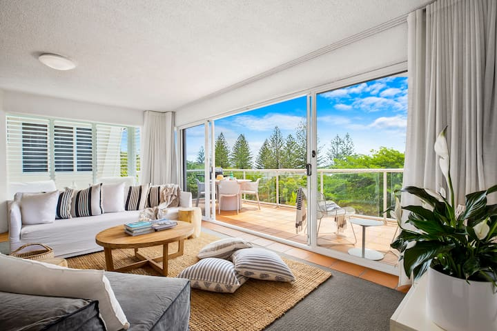 SEACLUSION - Light filled beachside living