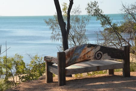 Cape Gloucester: 450m private beachfront acreage - House