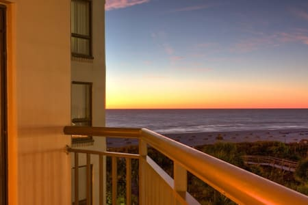 Fantastic Location on Beautiful St. Pete Beach! - St. Pete Beach - Kondominium
