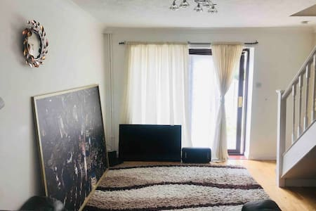 Private Spacious Double bedroom in  shared house.
