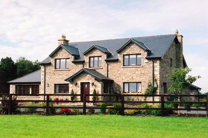Gorgeous Luxury Rural Estate Perfect for Groups