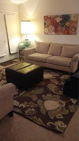Spacious Crestwood Condo - Crestwood - Lejlighedskompleks