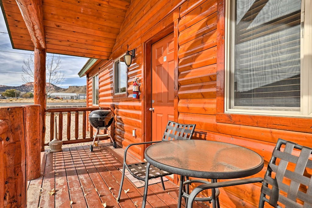 New bryce canyon 2br cabin w porch playground cabins for Bryce canyon cabin rentals