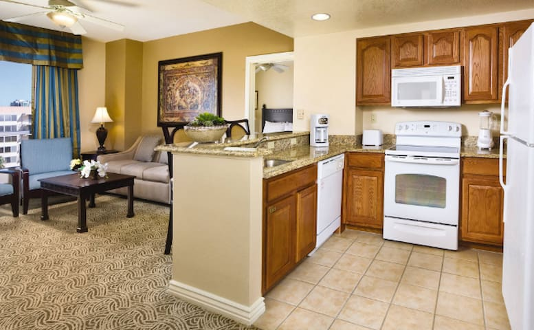 Wyndham Grand Desert Resort - 1 Bd Suite - 4 ppl