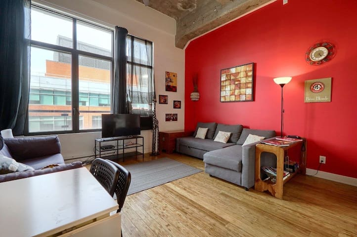 Pop Culture Loft Flat BEST Location for the BEST - Montréal - Loft