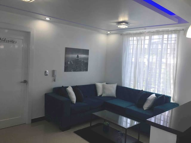 (LIBERTY 1/BR APT W/KING SIZE BED )