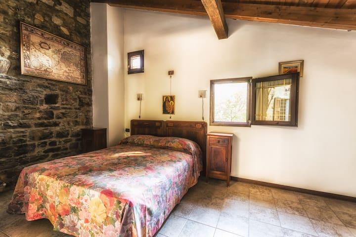 Camera Papavero - San Benedetto Val di Sambro