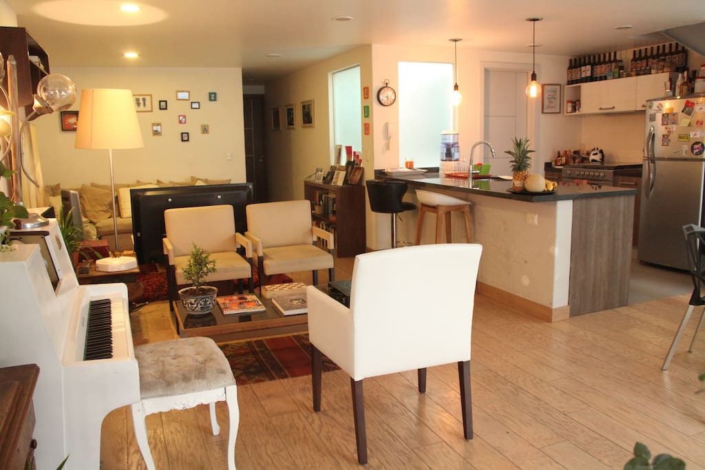 """It's an open, well distributed loft, with plenty of room to hangout during your visit to the city that us """"Chilangos"""" call """"Mi Casa""""."""