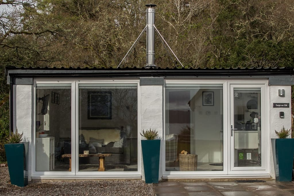 Huge windows to make the most of the light (but with blinds!)