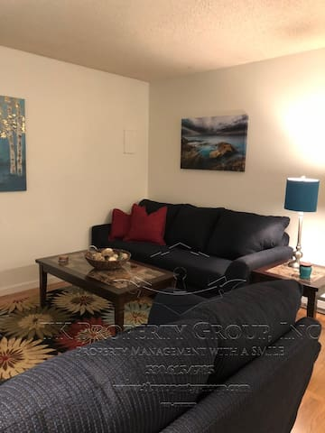 Executive Apartment near Downtown Grass Valley-6