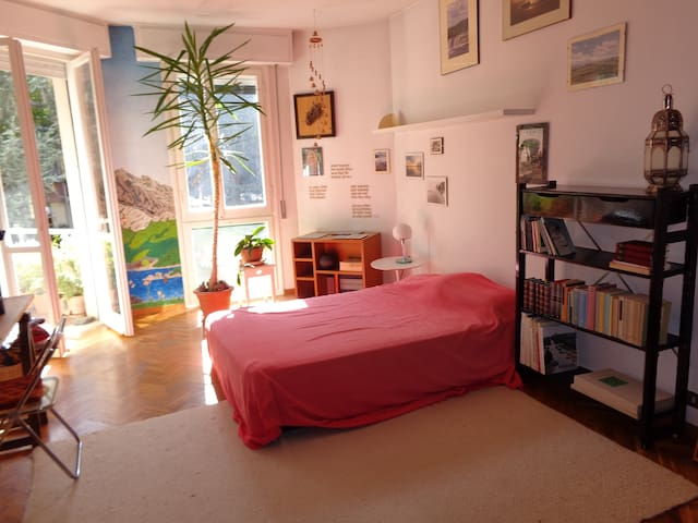 Room in apartment in Florence, Italy - WiFi - Floransa - Daire