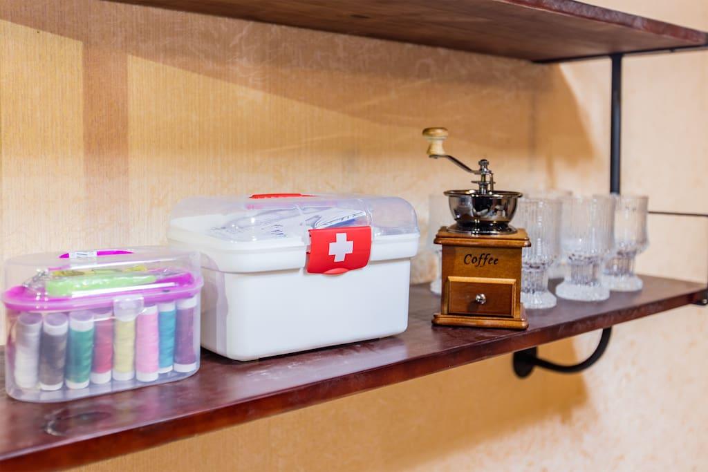 家庭医药箱,针线盒,你想不到的,我们都为您提前想到。