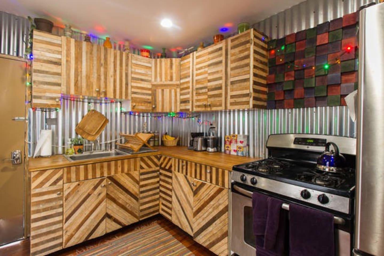 Fishtown Treehouse - Yoga Studio Hammock - Townhouses for Rent in ...