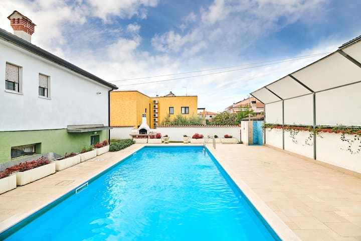 Casa Fabris-Holiday Home with Swimming Pool