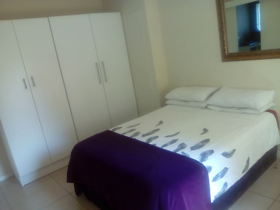 Bedroom with BIC