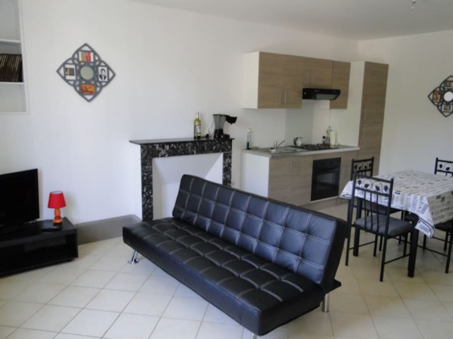 Appartement f3 meubl refait neuf appartements louer for Appartement f3 neuf