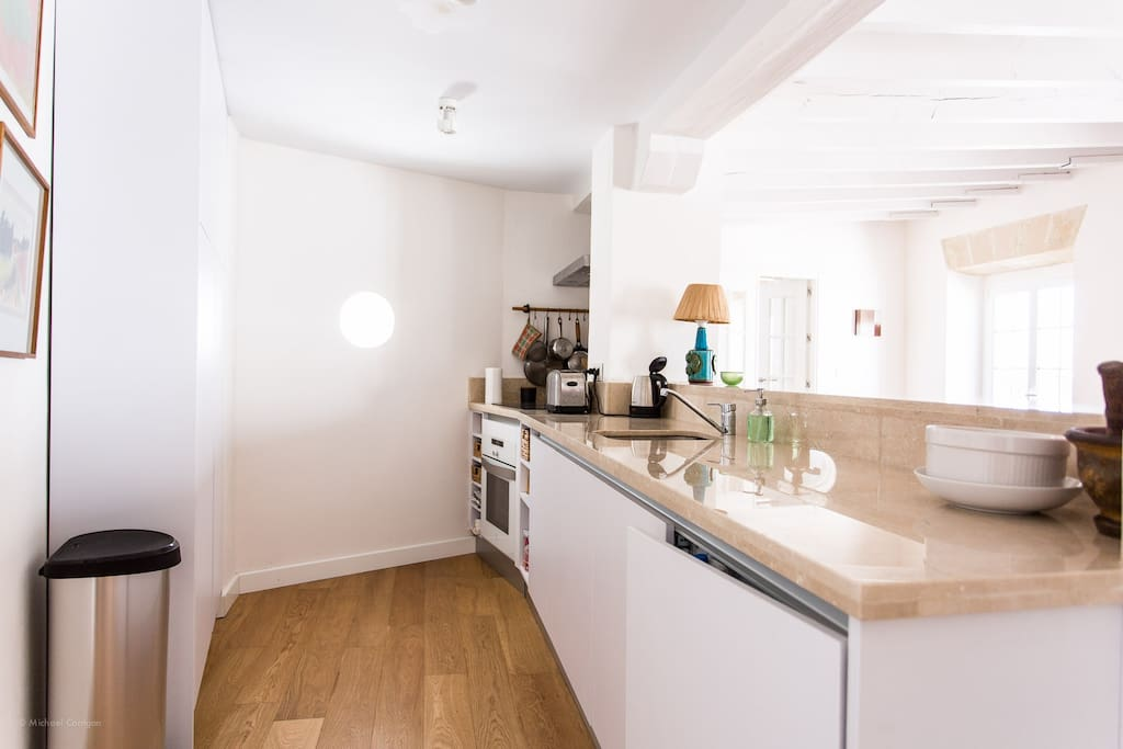 Luxury Apartment - Fully fitted kitchen