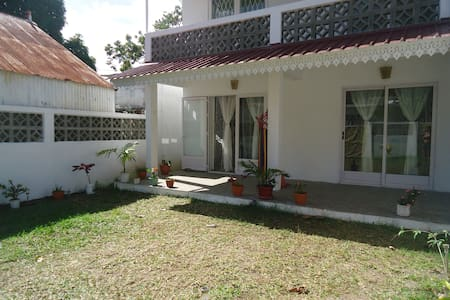 Ground floor flat for 5 people - Port Mathurin