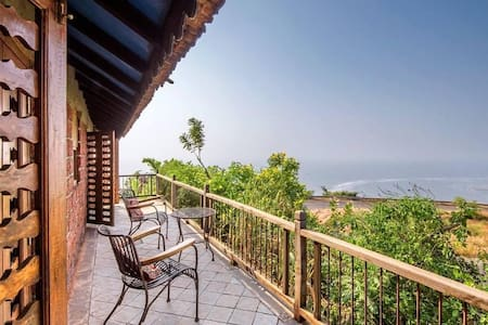 Sugandi&Shevanti-Petfriendly Cottages at villa 270