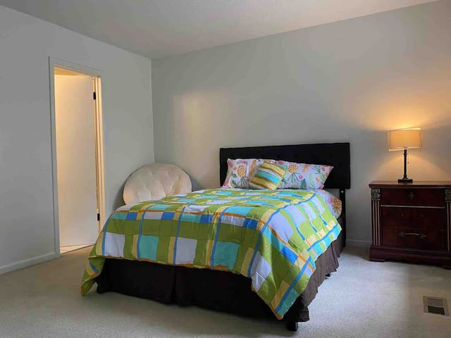 2nd badroom