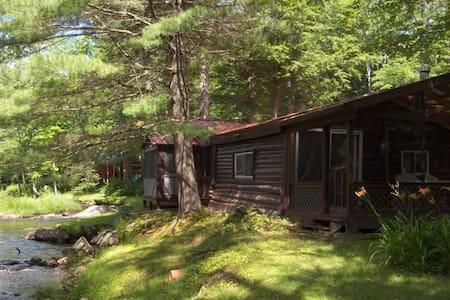 Hideaway Cabin on Pristine Trout Stream - Cottage