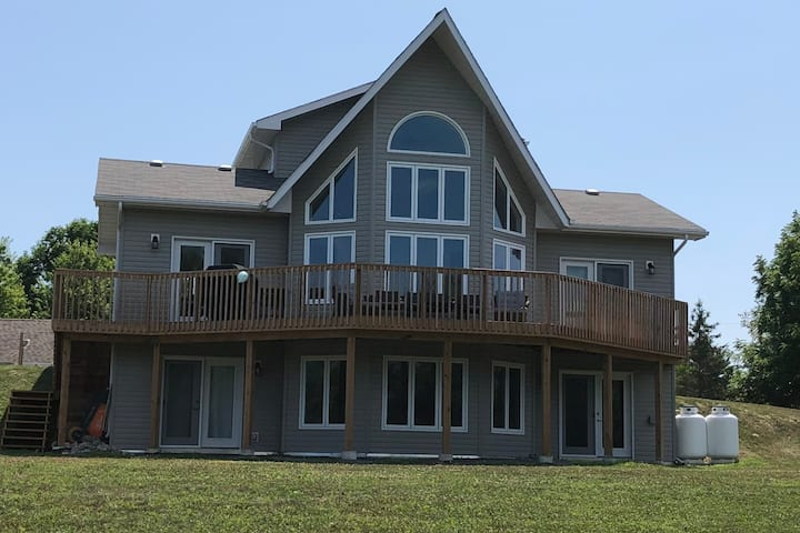Chalet On The Bay at Waupoos