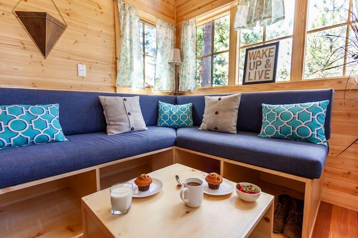 New Tiny Home with Colorado Peak Views