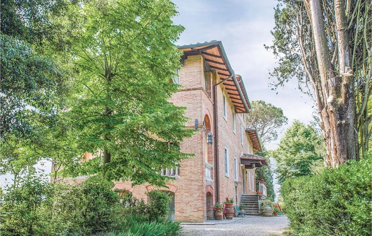 Holiday apartment with 1 bedroom on 60m² in Siena -SI-