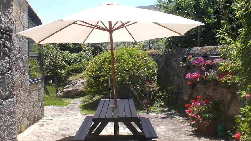 The Porto Concierge - Chapel's Garden - Caminha - House