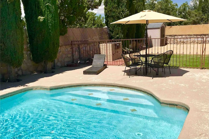 Heated Pool - Spacious Family Retreat: 4 Bedroom