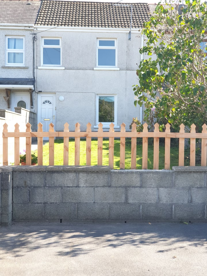 7, Gwendraeth Town - trendy, clean&comfortable