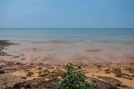 FEUNG FA VILLA IN BANYANBAYVILLAS - Nuea Khlong - Villa - 1