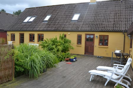 Lovely farm house on Djursland - Rønde - Huis