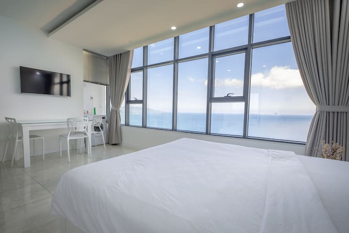 Sunrise Studio Apart with Panoramic Ocean View - tp. Nha Trang - Pis