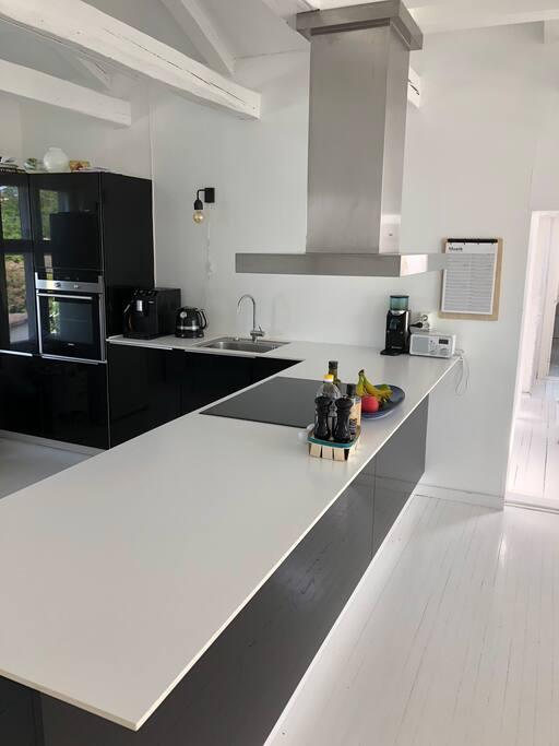 Kitchen, 2nd floor