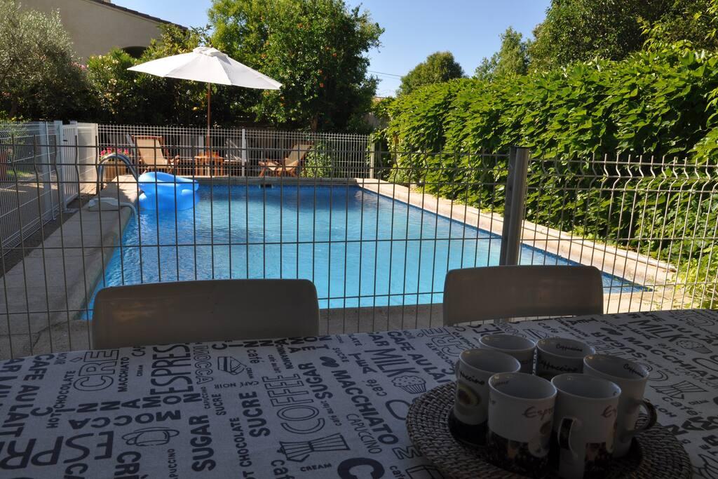 Agreable villa avec piscine securis e maisons louer for Piscine mauguio