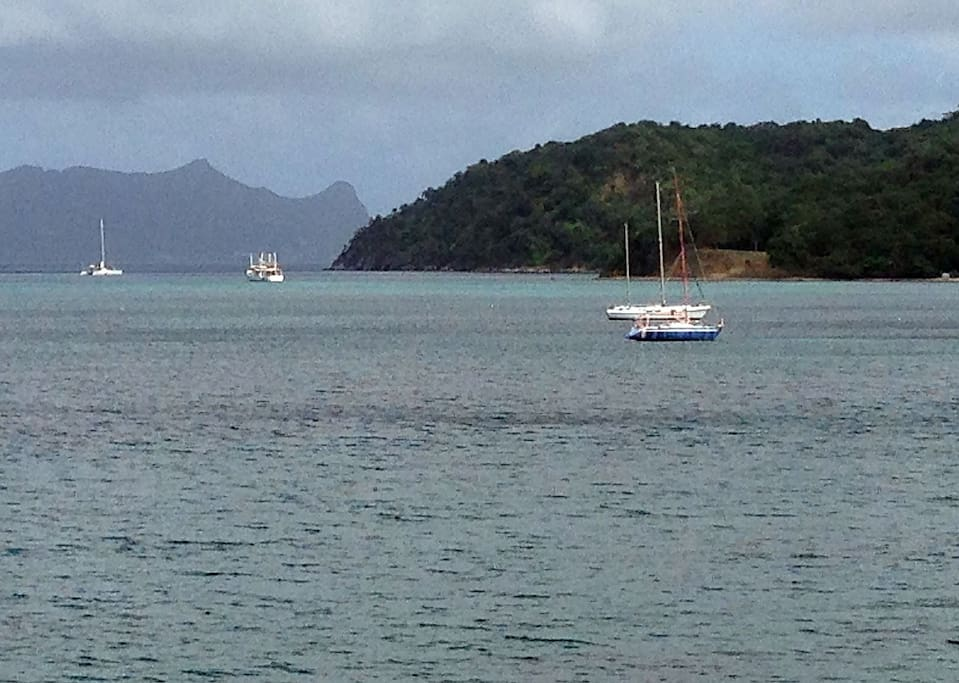 Sparrow Bay facing north with Union Island in the background