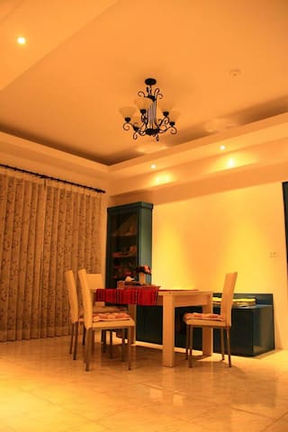 sunny , cozy , clean  apartment - Nanzi District - Bed & Breakfast