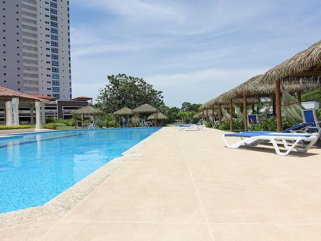 Sea view apartment at Coronado Golf- Panama 4 pers