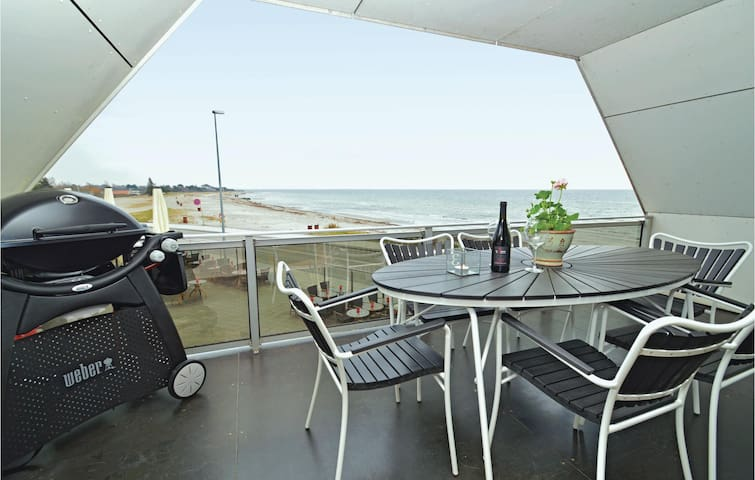 Holiday apartment with 3 bedrooms on 160 m² in Karrebæksminde